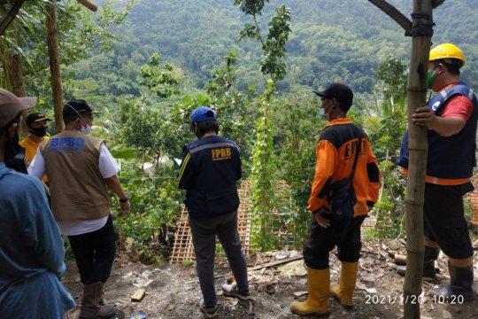 BPBD Bantul akan merelokasi enam rumah rawan terdampak tanah longsor
