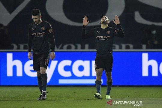 Manchester City jebol pertahanan Cheltenham Town 3-1