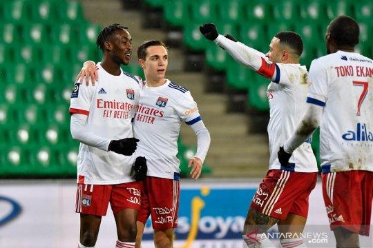 Lyon menang telak 5-0 dalam Derbi Rhone-Alpin