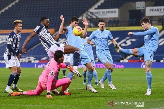 Manchester City ke pucuk klasemen lagi usai cukur West Brom 5-0