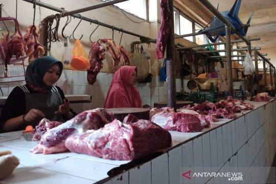 Harga daging sapi dan telur ayam di Tanjung Pandan normal