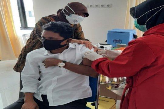 Tujuh tokoh vaksin pionir Sleman menjalani vaksinasi kedua