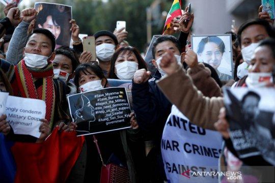 Aung San Suu Kyi  meminta masyarakat melawan kudeta militer