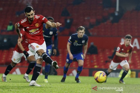 Manchester United membantai Southampton dengan telak 9-0