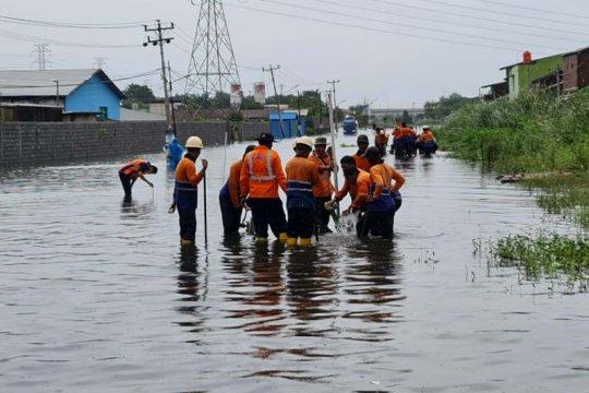 PT KAI tinggikan jalur KA terendam air di Semarang