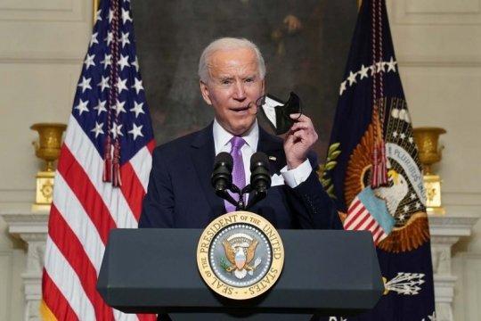 Pertama kalinya Presiden AS Biden telepon Raja Saudi
