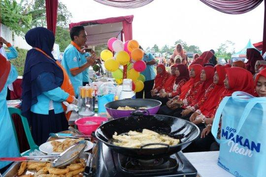 BKIPM Semarang bagikan 1,5 ton ikan di Sragen & Karanganyar