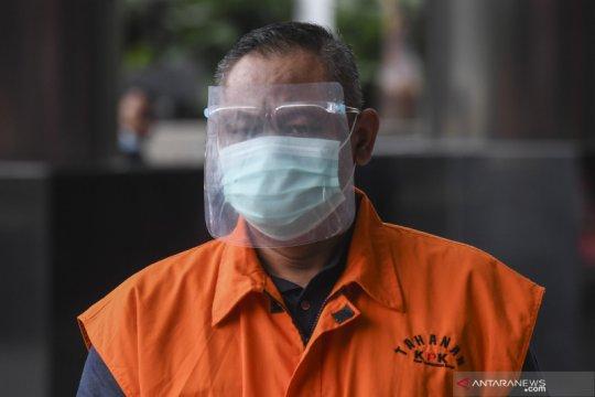 """Saksi ungkap bagi-bagi duit Rp14,7 miliar dari """"fee"""" bansos"""