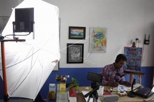 Pelajaran melukis secara daring