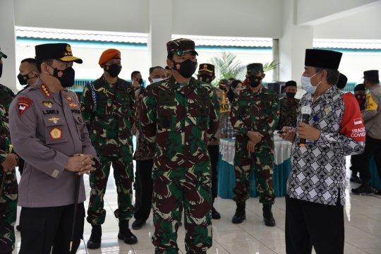 Panglima TNI-Kapolri tinjau Posko PPKM Maguwoharjo Sleman