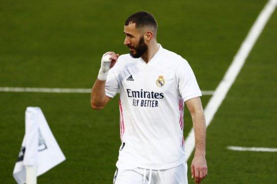 Dua gol  Benzema bawa Real Madrid menang 2-1 atas Elche