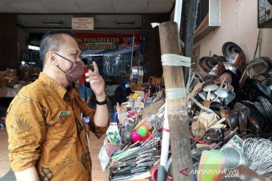 Pedagang pasar tradisional Solo siap ikuti vaksin COVID-19
