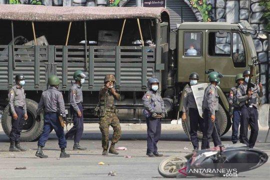 Tentara Myanmar bentrok dengan milisi anti junta yang baru dibentuk