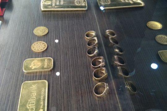 Harga emas terus merosot, terjungkal 46,6 dolar