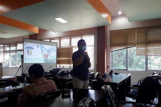 Dinkes Bangka Barat giatkan sosialisasi pentingnya vaksinasi COVID-19