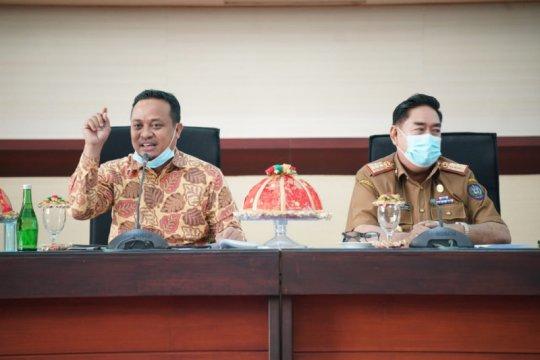Plt Gubernur Sulsel minta BKAD segera bayarkan gaji pegawai honorer
