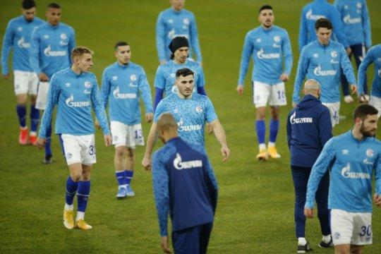 Schalke:  Grammozis jadi pelatih kelimanya musim ini