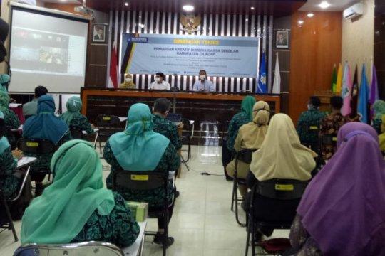 Balai Bahasa Jateng memberi pelatihan penulisan kreatif di Cilacap