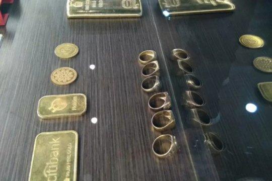 Emas terpuruk lagi 15,1 dolar, berada di level terendah sembilan bulan