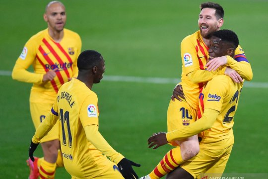 Bekuk Osasuna 2-0, Barcelona terus tempel Atletico di puncak
