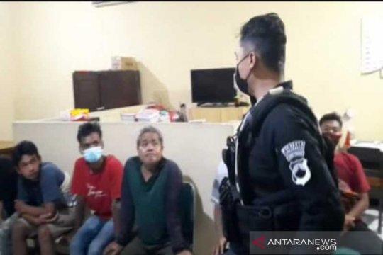 Lima pejudi dadu di Solo ditangkap