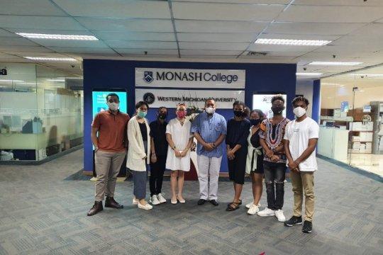 Tujuh pelajar Papua dikirim ke tiga universitas top di AS
