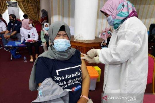 Vaksinasi Wartawan Padang
