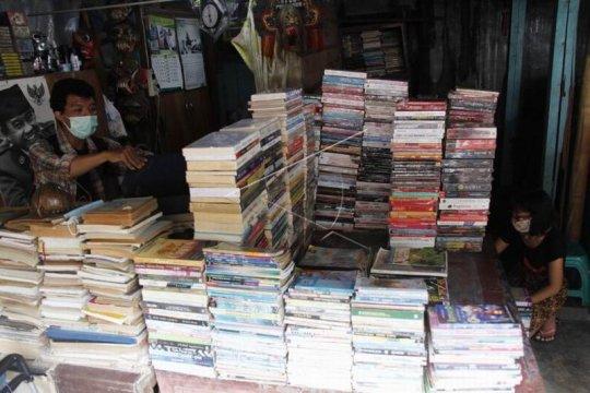 Pasar buku bekas Page 2 Small