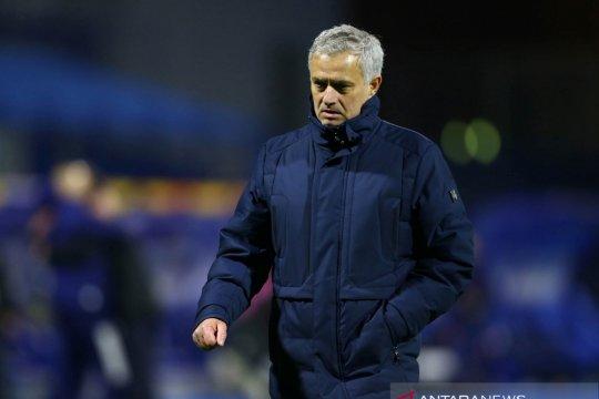Mourinho: Tottenham pertimbangkan boikot media sosial