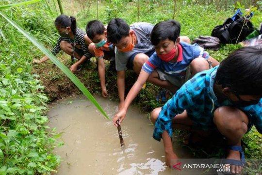 """""""Tilik Belik"""" di Pegunungan Menoreh mengajak anak menghargai air"""