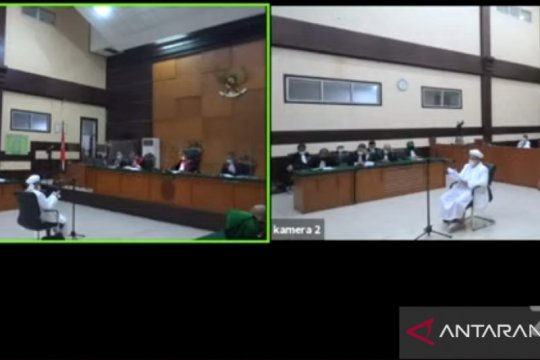 Hakim tolak keberatan Rizieq kasus kerumunan Petamburan