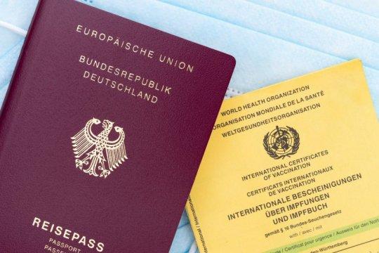Paspor vaksin bakal diperlukan untuk bepergian ke luar negeri saat ini