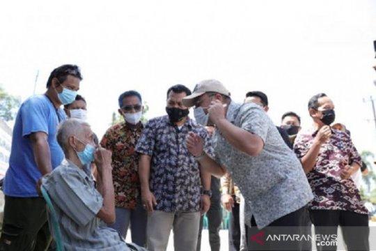 Vaksinasi COVID-19 dilakukan pada pelaku wisata di Pulau Belitung