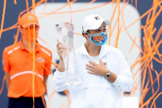 Menang WO, Barty pertahankan gelar Miami Open 2021
