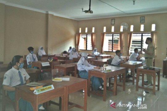2 sekolah di Kudus mulai simulasi pembelajaran tatap muka