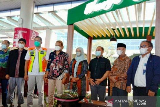 Gubernur Babel resmikan outlet Warjo di Bandara Depati Amir