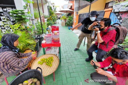 Gelar lomba foto esai, PDIP Jateng beri pelatihan pemotretan