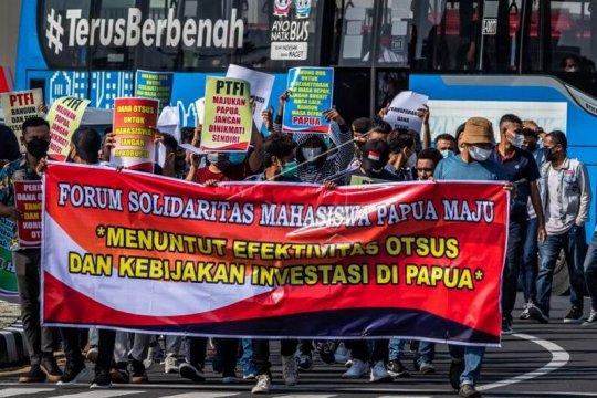 Aksi damai mahasiswa Papua Page 2 Small
