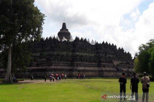 Menikmati paket ngabuburit di Borobudur dan Prambanan