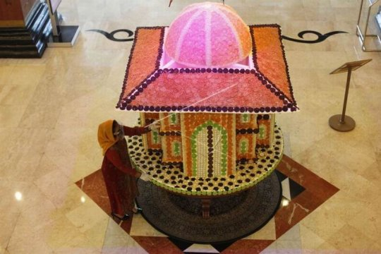 Replika masjid berbahan makanan tradisional Page 2 Small