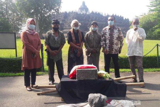 Dukung pelestarian Borobudur, masyarakat serahkan batu ke BKB