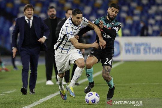 Napoli menjegal Inter Milan dalam perburuan gelar juara Liga Italia