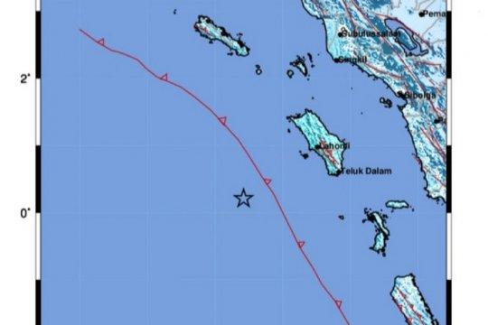 Getaran gempa bumi di Nias dirasakan hingga Padang