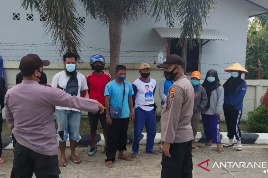 Polres Bangka Barat bantu penyuluhan pencegahan penyebaran COVID-19