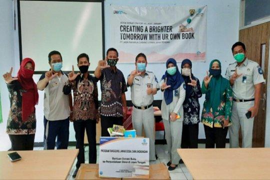 Gencarkan literasi dan ikut cerdaskan bangsa, Jasa Raharja Jateng donasikan buku