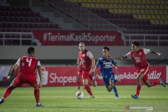 Suporter Persija berpesta, fans Persib rusak kantor, PSSI minta mnaaf