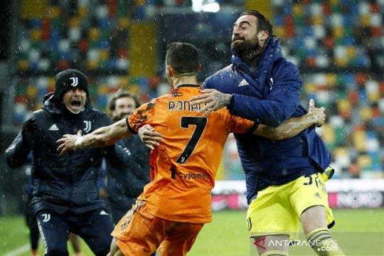 Cristiano Ronaldo memimpin Juventus bangkit dan menundukkan Udinese 2-1