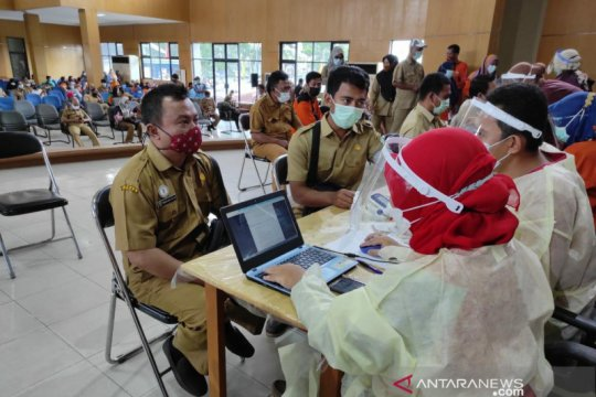 4.897 petugas pelayan publik di Belitung telah disuntik vaksin COVID-19