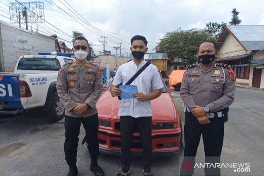 "Usai viral di medsos, pengemudi  sedan pelaku aksi drifting ala ""Fast and Furios"" diamankan polres Bukitinggi  (Video)"
