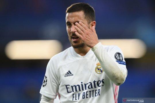 Tertawa usai Madrid tersingkir, Hazard minta maaf